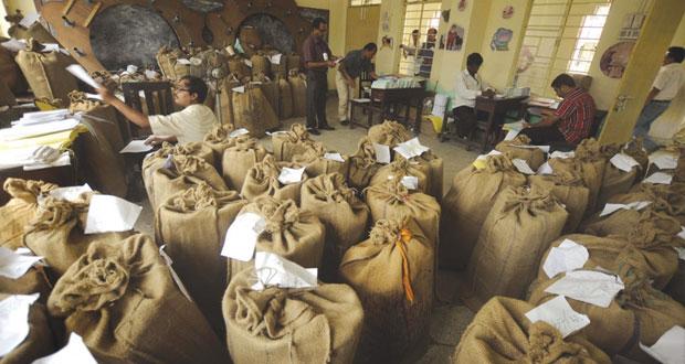 الهند تبدأ اليوم إجراء انتخاباتها التشريعية