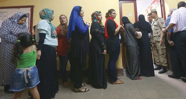 مصر تمدد التصويت بـ(الرئاسية) ليوم ثالث وحملتا المرشحين تعترضان