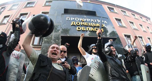 أوكرانيا تعود لـ(التجنيد الإجباري) وروسيا ترى استفتاء كييف (مزيف)