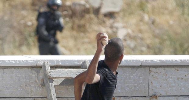 صاروخ من غزة والاحتلال يدرس انسحابا أحاديا من الضفة