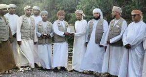 فريق عمان أمانة يكرم الشاعر حمود اليحيائي
