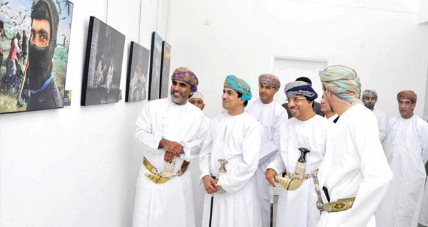 خمسون صورة ضوئية تعكس ثراء تجربة المصور العماني في النسخة السادسة لمعرض التصوير الضوئي أطياف متوهجة 2014