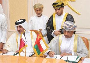 السلطنة وقطر توقعان اتفاقية مشروع تجميع الحافلات المقرر إنشاؤه في ولاية المضيبي