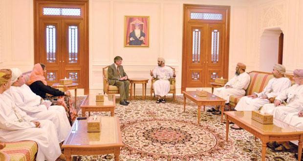 رئيس مجلس الشورى يبحث جهود قطاع النفط وخدمات الاتصالات في السلطنة