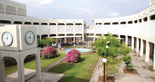 اليوم .. جامعة السلطان قابوس تحتفل بيومها السنوي الـ14 بتكريم 157 مجيدا