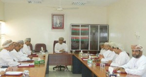 لجنة الشؤون البلدية بالرستاق تناقش عددا من المواضيع الخدمية