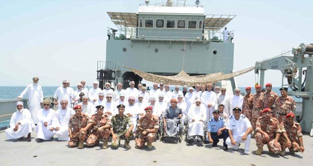 الخدمات الاجتماعية العسكرية برئاسة أركان قوات السلطان المسلحة تنظم رحلة بحرية للأشخاص ذوي الإعاقة