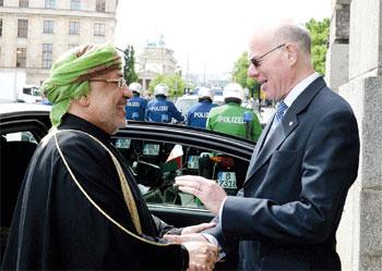 رئيس مجلس الدولة يلتقي رئيس البرلمان الألماني ببرلين