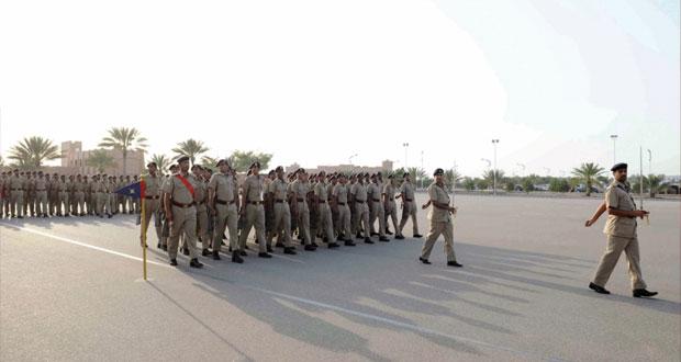 تخريج طلبة التربية العسكرية لمدارس محافظة مسقـط