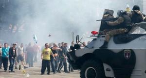 موسكو تسحب قواتها من حدود أوكرانيا وتطالبها بخطوة مماثلة