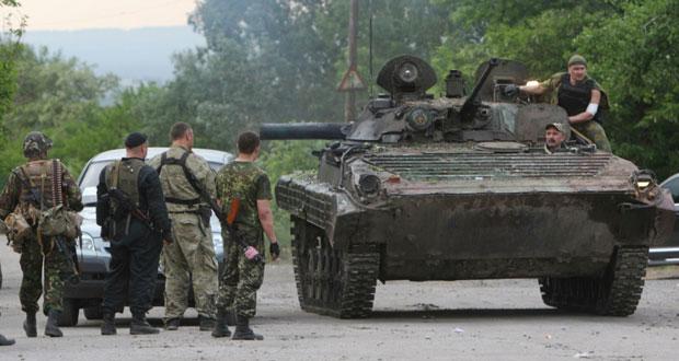 جيش تايلاند يستحوذ على السلطة و(الحكومة) تحت الإقامة الجبرية