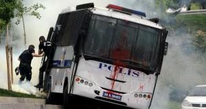تركيا:صدامات بين الشرطة ومحتجين في اسطنبول