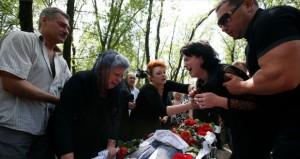 أوكرانيا: إسقاط مروحية ومقتل 14 جنديًّا وموسكو تحذر من كارثة