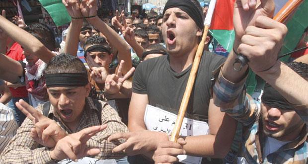 أسرى فلسطينيون يدخلون أعوامًا جديدة بسجون الاحتلال