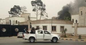 ليبيا: حفتر يعد باستئناف المعارك في بنغازي وقواته تنزل طرابلس