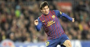 ميسي يقترب من التوقيع على عقده الجديد مع برشلونة
