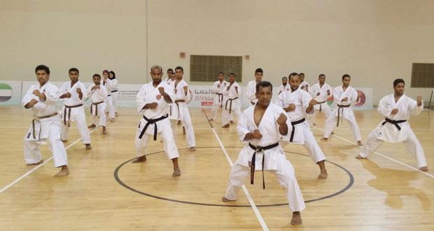 اللجنة العمانية للكاراتيه تختتم الدورة الدولية للمدربين والحكام