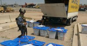 العراقيون يترقبون نتائج الانتخابات والمالكي يتحدث عن حكومة أغلبية سياسية حال فوزه