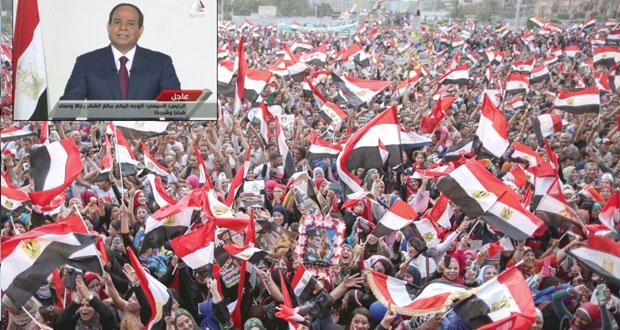 مصر: السيسي يدعو للعمل