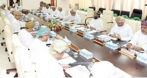 المجلس البلدي بظفار يناقش الاستعدادات لمهرجان صلالة السياحي
