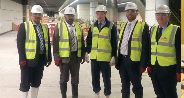وزير النقل والاتصالات يتعرف على التجربة البريطانية في مجال السكة الحديد