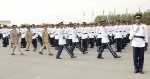 شرطة عمان السلطانية تحتفل بتخريج دورتين من الضباط وعدد من فصائل الشرطة المستجدين