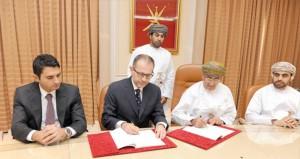 وزير الصحة يوقع خمس اتفاقيات لأعمال التصاميم والإشراف لمستشفيات السويق ومسندم والداخلية وجنوب الشرقية