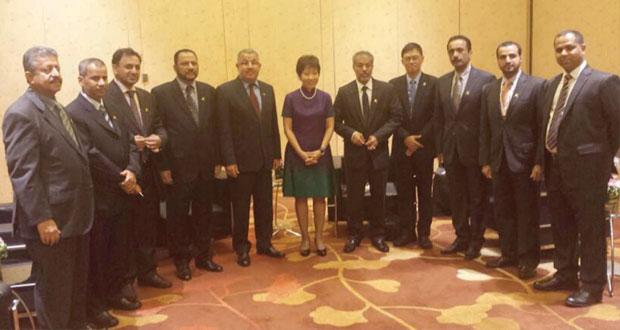 وفد السلطنة يختتم اليوم مشاركته بمنتدى القمة العالمية لرؤساء المدن والبلديات بسنغافورة