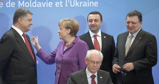 موسكو تطالب بوقف دائم لإطلاق النار في أوكرانيا..وتتهم أوروبا بدفعها للتقسيم