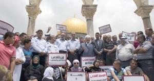 الاحتلال يعتقل فلسطينيين في القدس ويفتح نيرانه على الصيادين بغزة