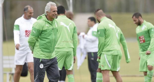 لاعبو منتخب الجزائر يتمردون على خليلودزيتش ويرفضون أسلوبه الدفاعي