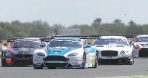 فريق عمان لسباقات السيارات يضيف المزيد من النقاط لرصيده في بطولة جي تي البريطانية