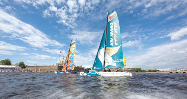قوارب عُمان للإبحار تخوض عشرة سباقات متواصلة ومثيرة