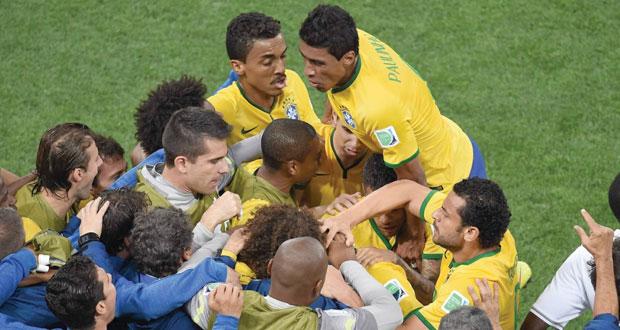 سامبا البرازيل تصطاد ذئاب كرواتيا بالثلاثة