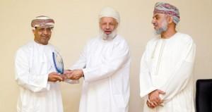 الجمعية العمانية للكتّاب والأدباء تكرم الفائزين في مسابقتها الثقافية لعام 2013