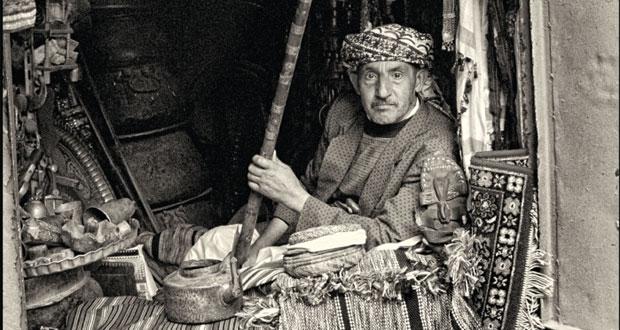 """صالة بيت مزنة تستضيف معرض """"لحظات في صنعاء القديمة"""" لخميس الريامي وسعيد الحارثي .. غدا"""