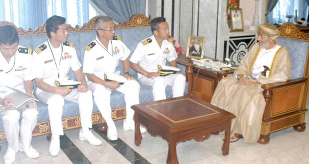 محافظ ظفار يستقبل قائد سرب الحراسة الثامن الياباني