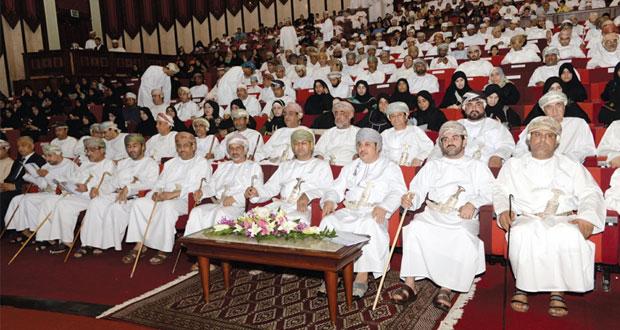 ولاية مطرح تحتفل بتكريم 370 مجيدا من الطلبة والمعلمين