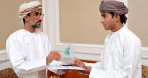 """بوابة """"زوار عمان"""" تكرم الفائزين في مسابقة """"لنكتشف عمان"""""""