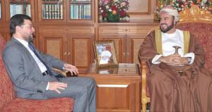 نيابة عن جلالة السلطان أسعد بن طارق يودع سفيري ماليزيا وفلسطين