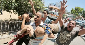 الإرهاب الإسرائيلي يحصد 38 شهيدا بـ(القطاع) ويصيب 11 في تظاهرات رافضة بالضفة