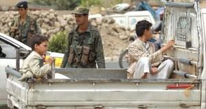 اليمن: مقتل جنديين في أبين وغارات جوية على عمران