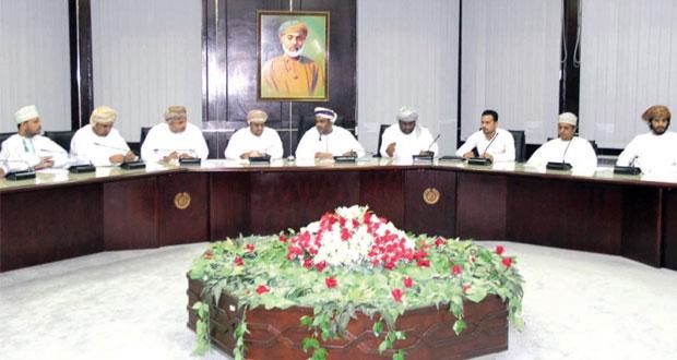 غرفة صلالة تناقش أوضاع المكاتب العقارية وتنظيم القطاع