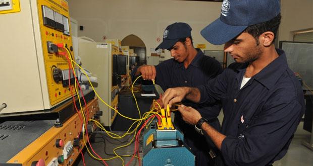 """جهود كبيرة تبذلها """"القوى العاملة"""" في تشغيل الباحثين عن عمل والاهتمام بالقوى العاملة وتطوير التعليم التقني والتدريب المهني"""