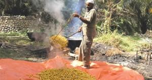 الصناعات الزراعية التقليدية موروث أصيل برع فيه العمانيين
