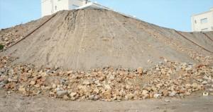 أهالي المرحلة الثالثة بالغبرة الجنوبية يطالبون بإقامة سد حماية للوادي القريب ووضع حلول للصخور المتساقطة