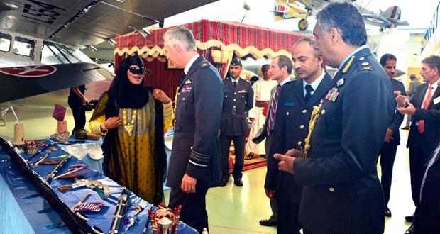سلاح الجو السلطاني العماني يواصل مشاركته في المعرض الجوي العماني البريطاني المشترك بلندن