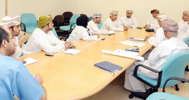 زيارات ميدانية لعدد من المسئولين لمتابعة سير العمل في المؤسسات الصحية