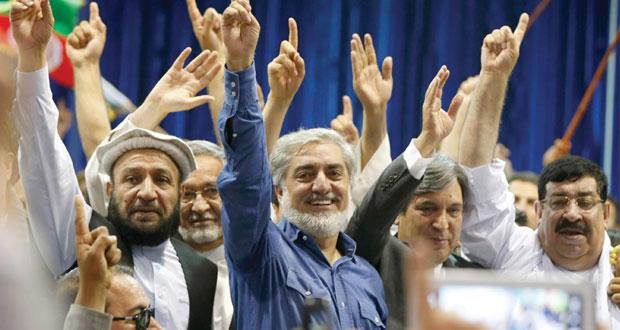 أفغانستان: عبد الله يصعد تجاه (الرئاسية) وغني يبدي الحذر