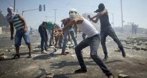 الاحتلال يواصل إرهابه ضد الفلسطينيين .. والمقاومة ترد بالصواريخ
